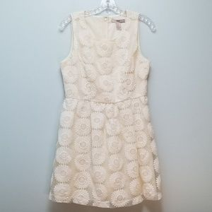 FOREVER 21   BEAUTIFUL IVORY DRESS W/LACE OVERLAY
